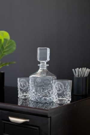 Decanter with Whiskey Glasses